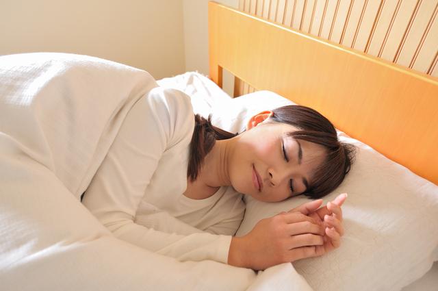 楽睡を使って満足したのでレビューを投稿していきます